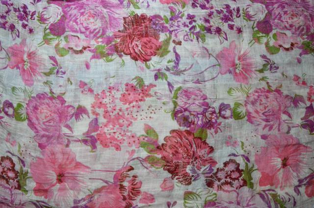 Женский розово-лиловый шарф из льна фото 3