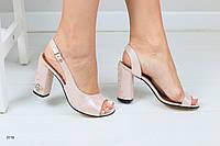 Женские кожаные босоножки на каблуке 36