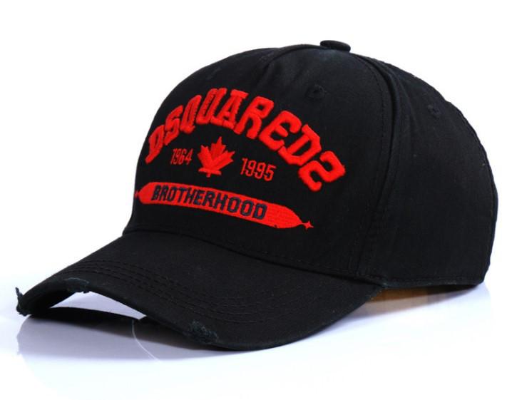 Стильная кепка в стиле Dsquared2 черная