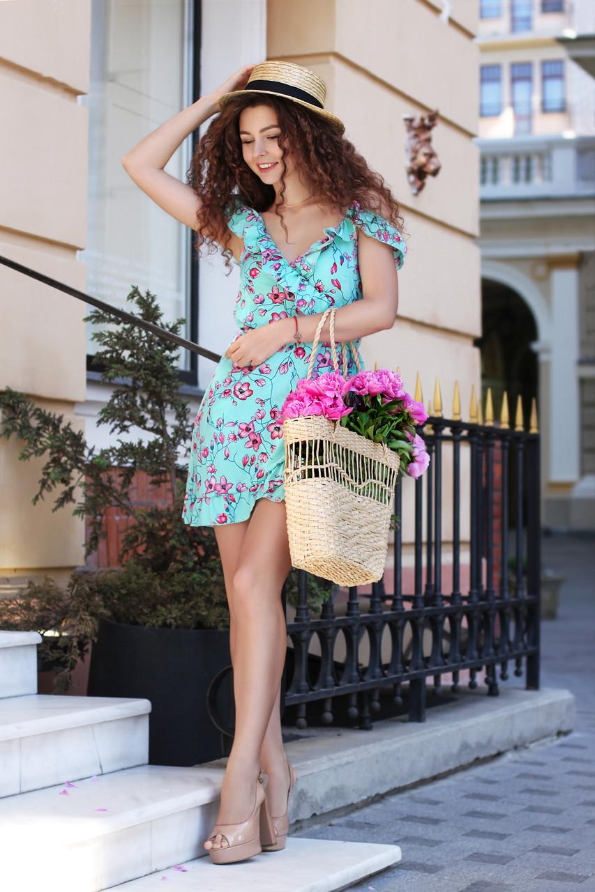 b903a452485 Летнее женское платье на запах с открытыми плечами очень нежное -  Интернет-магазин