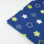 """Ткань хлопковая """"Звёзды-пряники с зигзагами"""" салатовые на синем  № 1340, фото 5"""