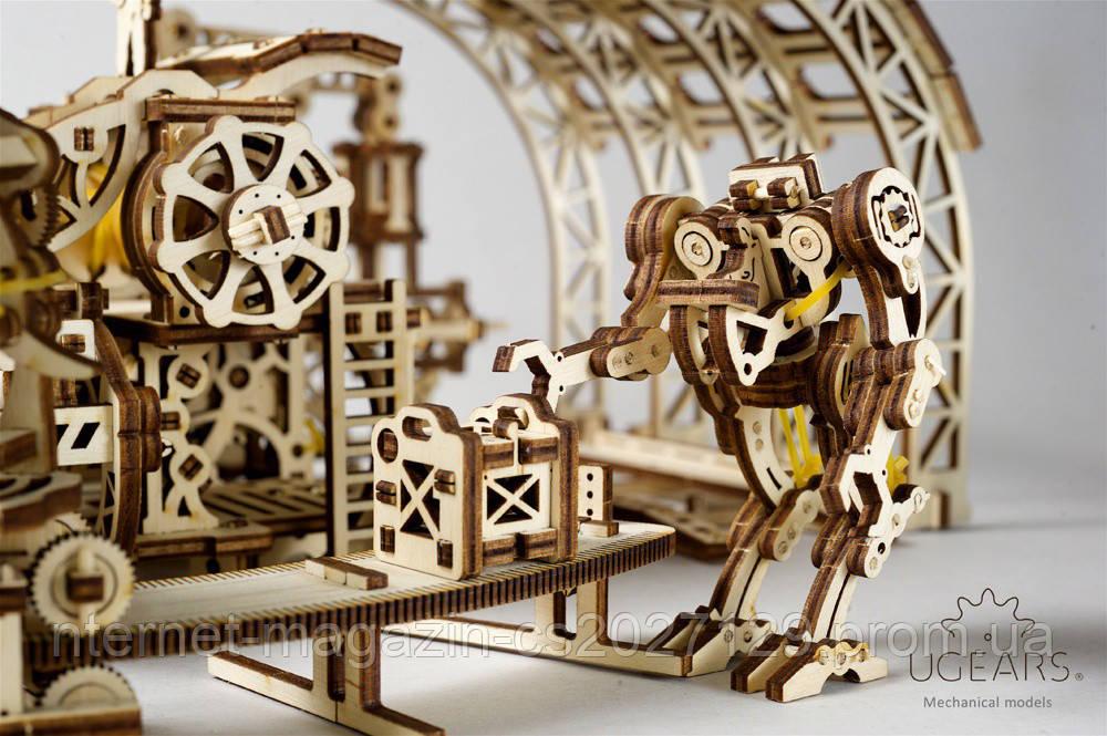 Деревянный механический конструктор в виде 3Д пазлов «Фабрика роботов»