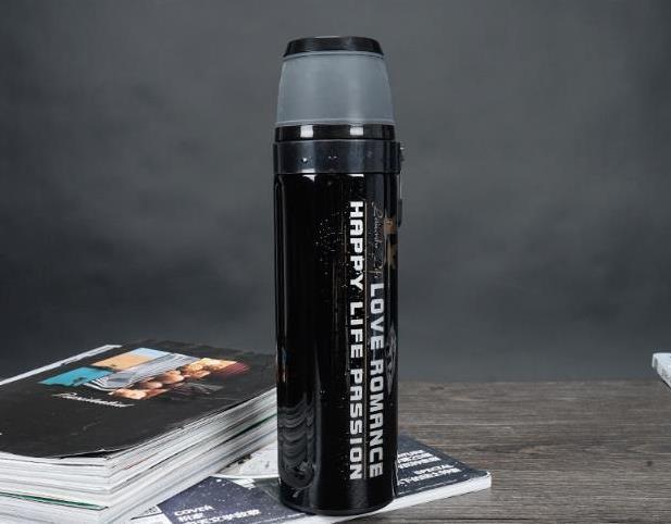 Термос спорт бутылка Love Romance Sport с чашкой и карабином 500 мл черный