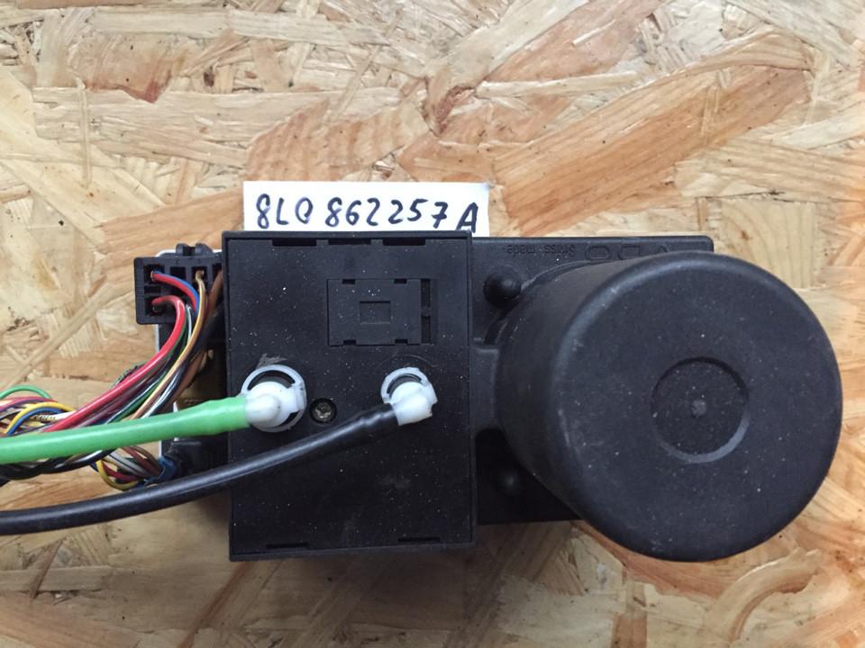 Компрессор центрального замка VAG 8L0862257A