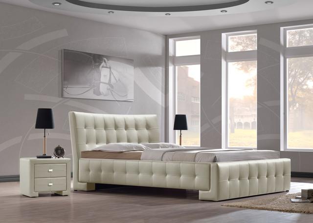 Кровати мягкие (подиумные)