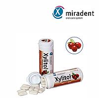 Жевательная резинка с ксилитом Xylitol (клюква), 30 шт.