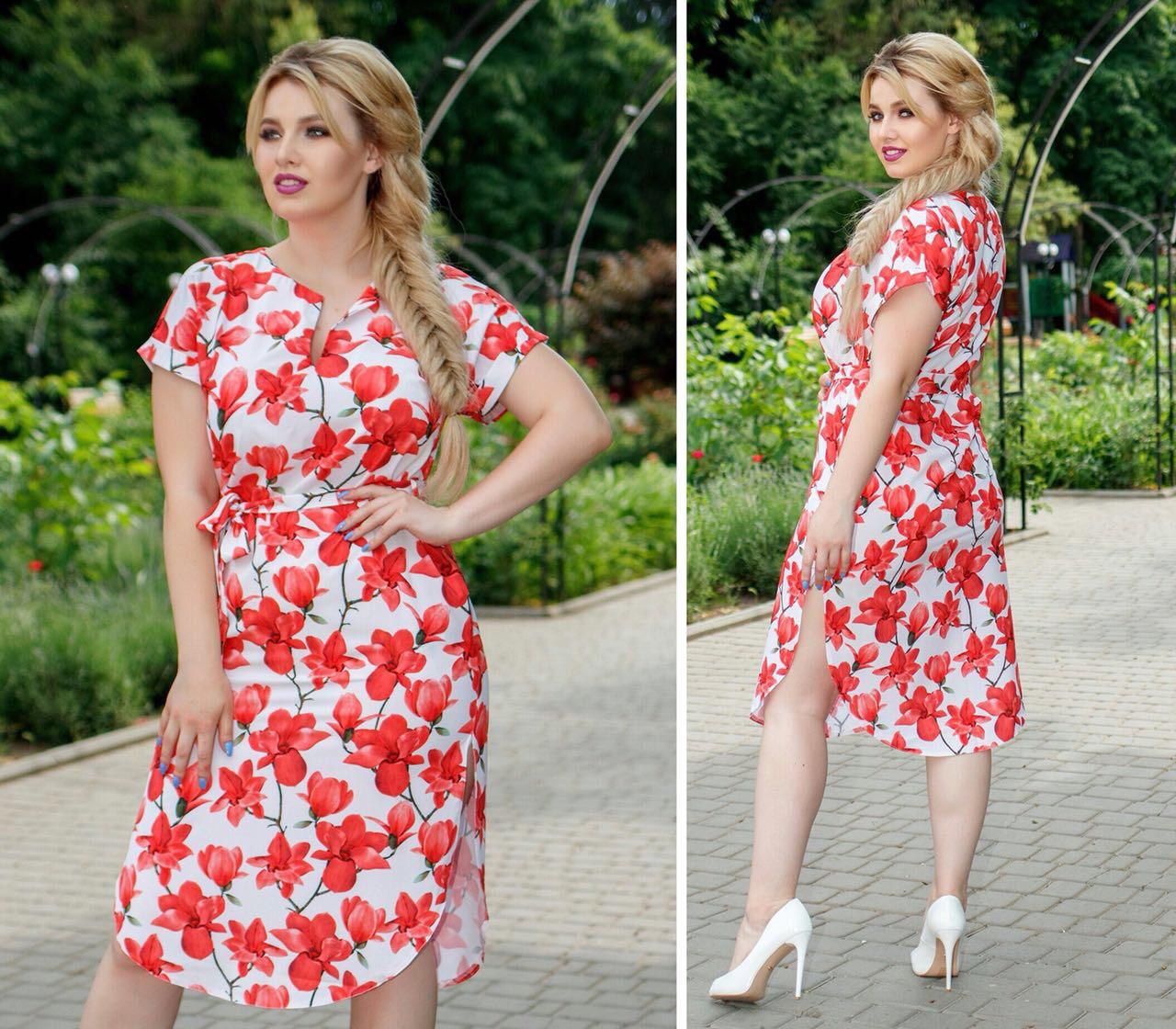 Платье с поясом и карманами, модель 816,принт красные лилии  на белом фоне