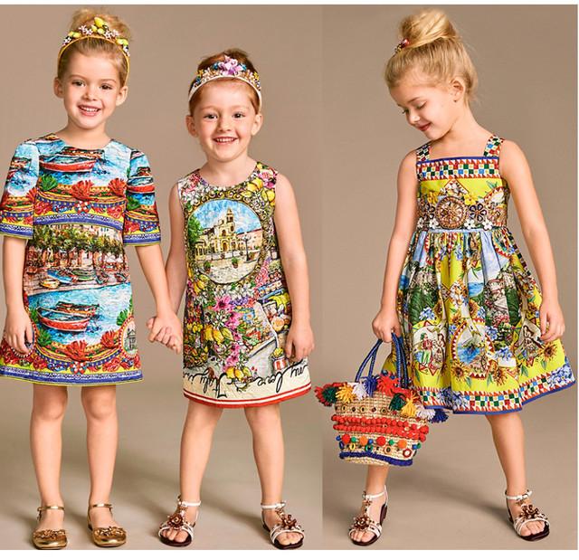 Літні сукні,джинсові сарафани, спідниці.
