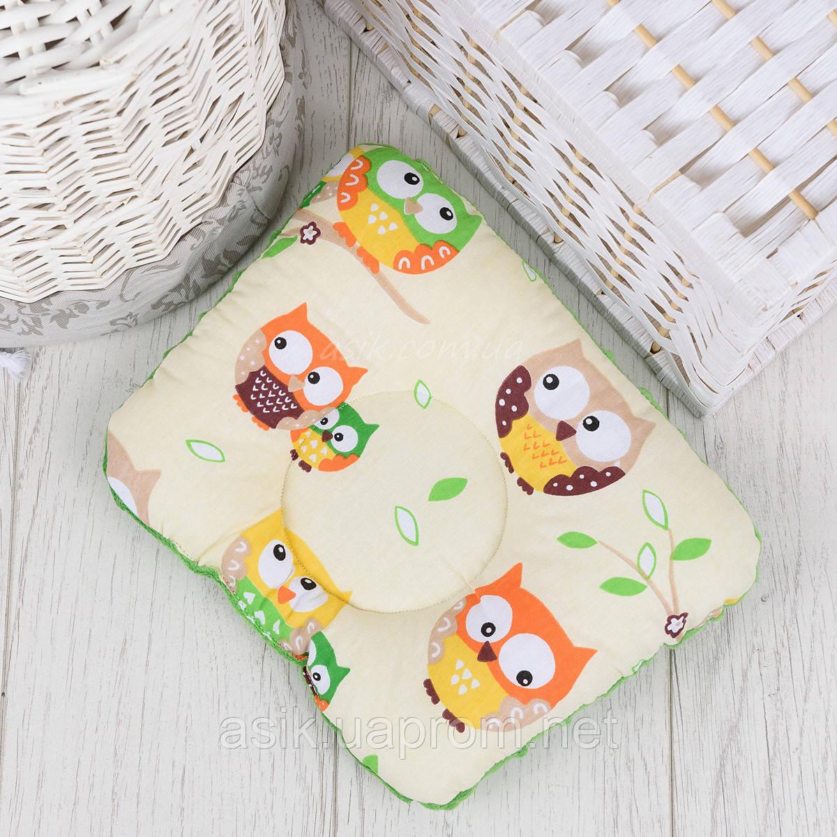"""Подушка для новорожденных с плюшем minky """"Цветные совы на кремовом фоне"""""""