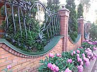 Радиусный (арочный) парапет на забор