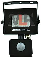 Прожектор светодиодный с датчиком влагозащищенный IP65 20W 6400K Horoz