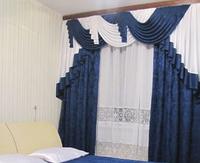 Ламбрекен в спальню со шторами