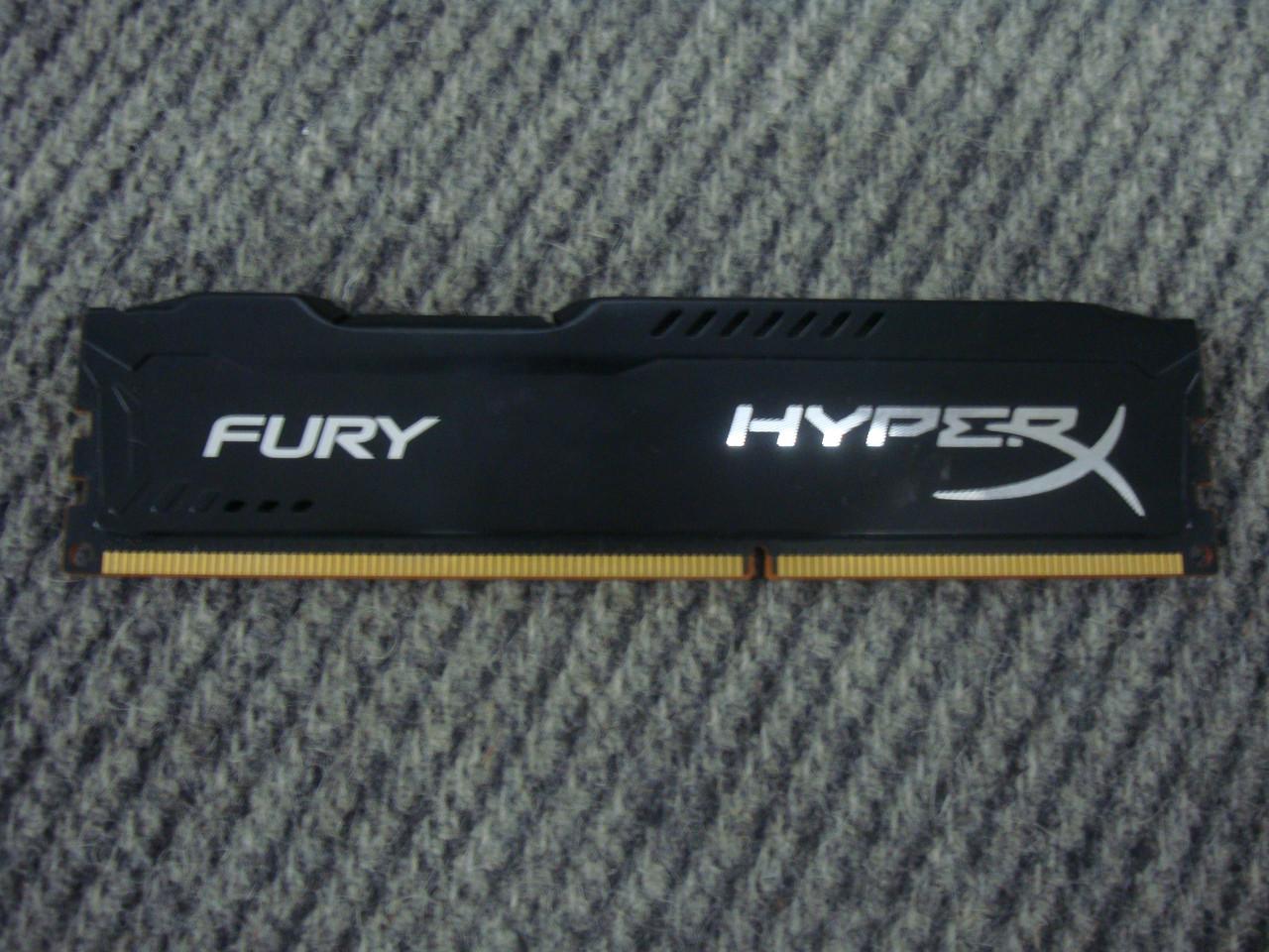 Оперативная память Kingston 4Gb DDR3-1866 HyperX FURY Black
