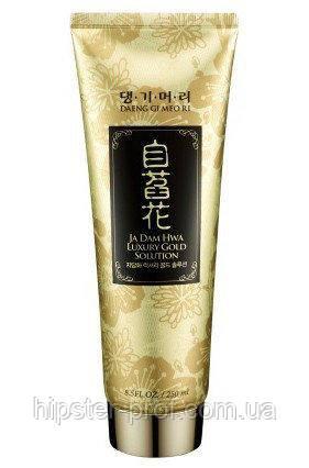 Шампунь 2 в 1 с золотыми микрочастицами Daeng Gi Meo Ri Ja Dam Hwa Luxury Gold Solution