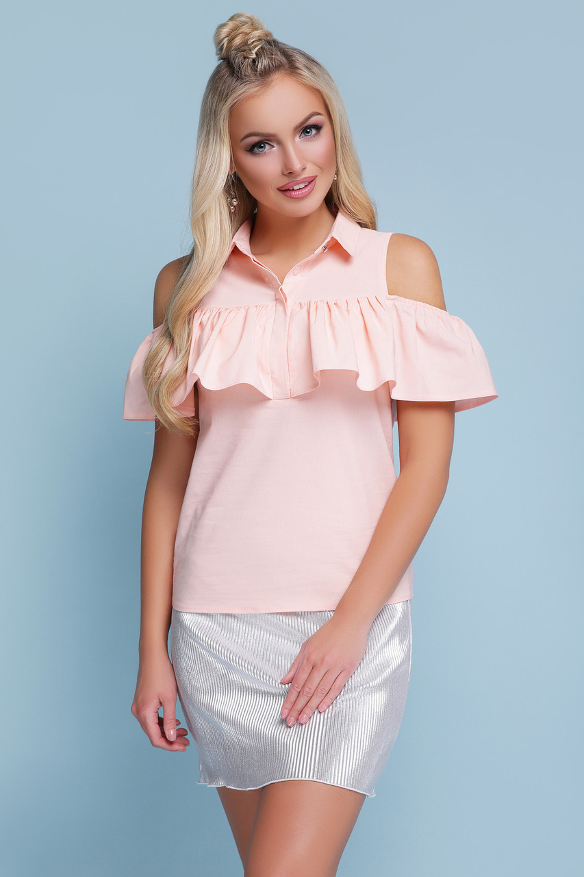 Легкая блузка с воротником и воланом открытые плечи блуза Калелья б/р персиковая