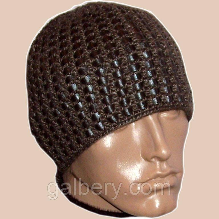 Мужская вязаная шапка на подкладке c элементами кожи коричневого цвета