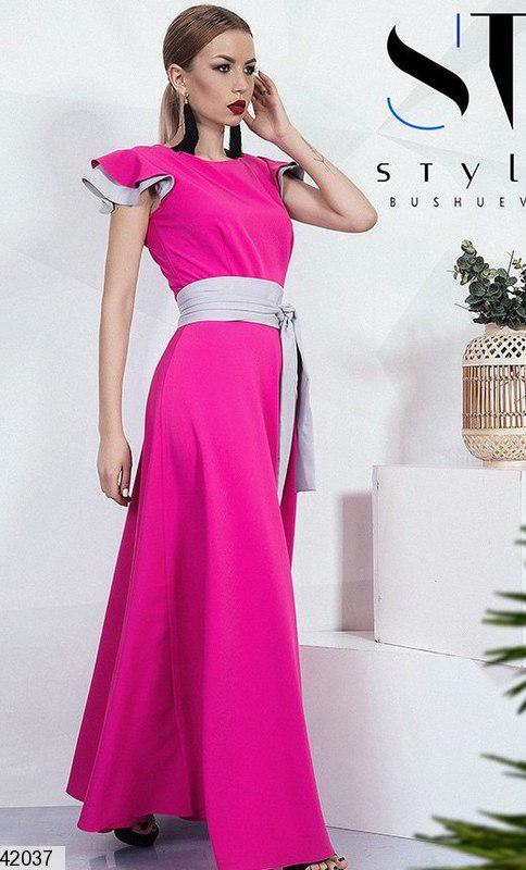 Красивое платье макси полуоблегающее с поясом на талии малиновое