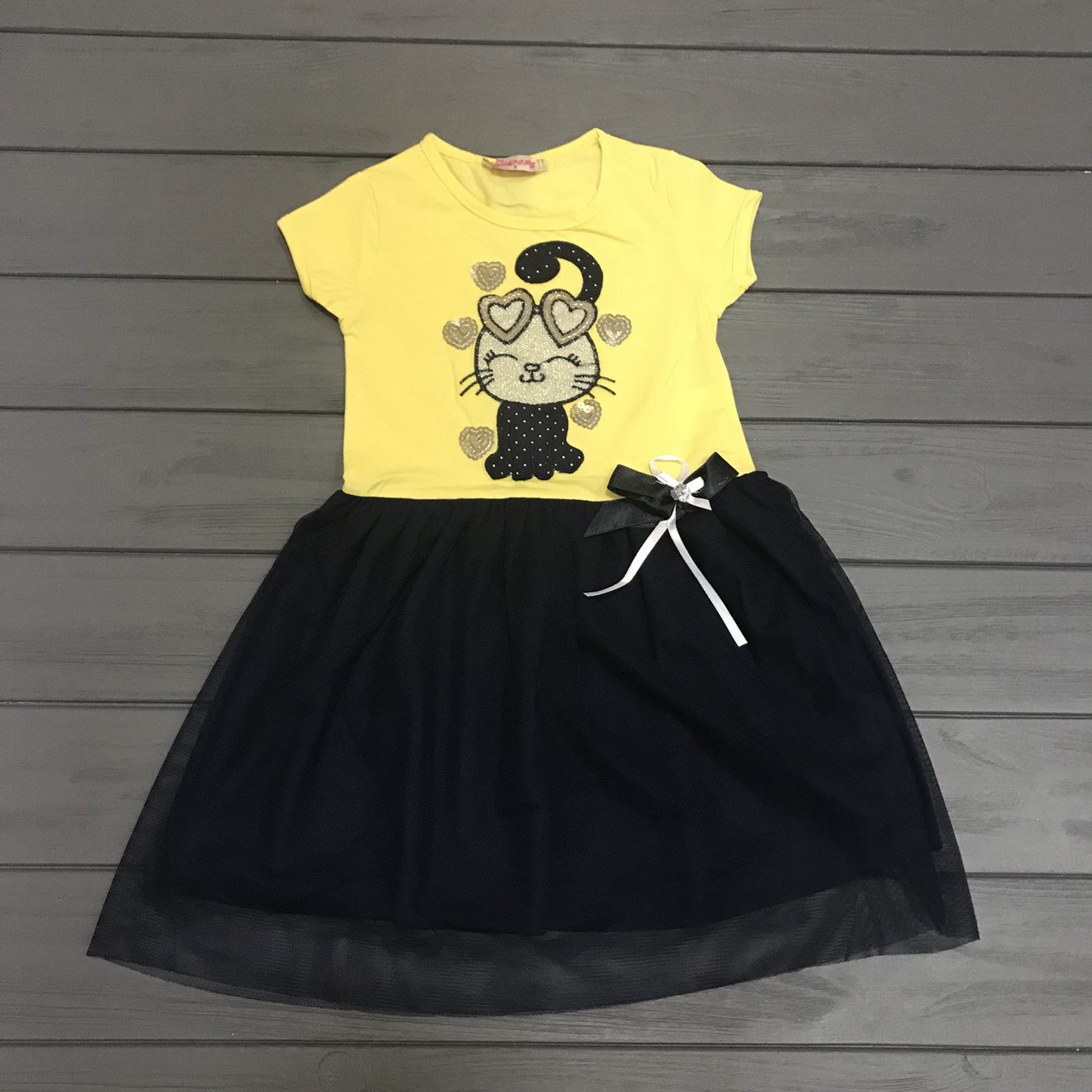 Платье нарядное для девочек  р.2 года