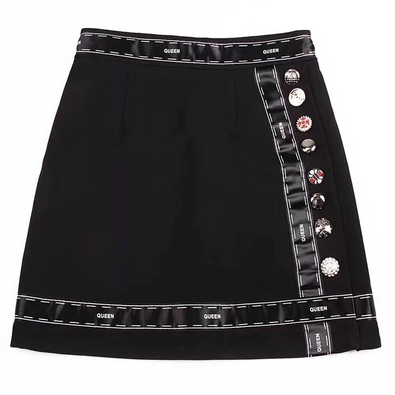Юбка в стиле Dolce&Gabbana с пуговицами короткая черная .