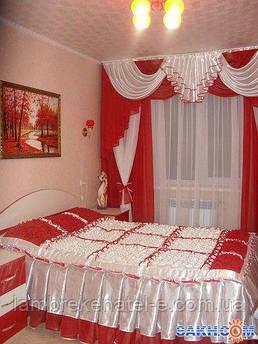 Ламбрекен красный для спальни