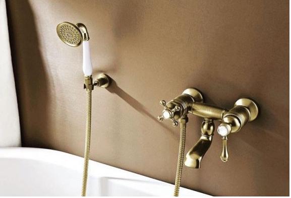 Смеситель в ванную комнату в бронзе 2-016
