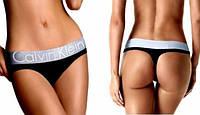 НУЖНЫЙ ПОДАРОК! Сексуальные стринги Calvin Klein (Кельвин Кляйн)  трусики на широкой резинке в ПОДАРОЧНОЙ упак