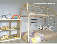 Кровать домик детский напольный из массива дерева дуб