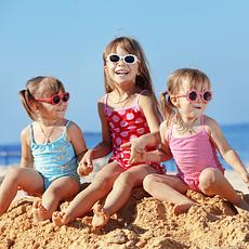 Дитячий літній одяг та взуття