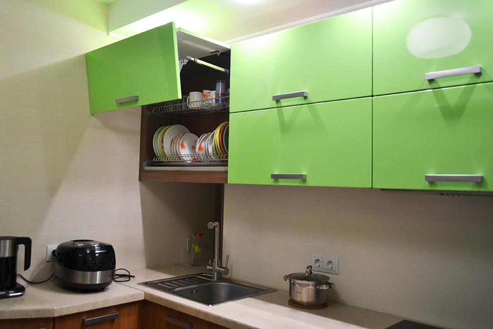 Кухня Original Зеленый глянец и Лен темный из пленочного МДФ
