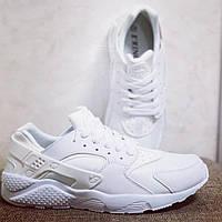 Стильные кроссовки женские белые
