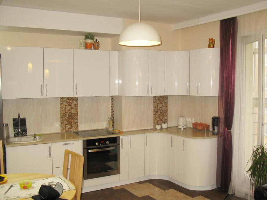 Кухня Белый глянец из пленочного МДФ