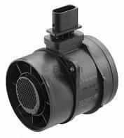 Расходомер воздуха MB Sprinter/VW Crafter 2.2CDI/2.5TDI/3.0CDI 06-, код 0 281 002 896, BOSCH