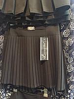 Юбка школьная чёрная с золотистым украшением на поясе ОПТ