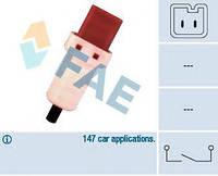 Датчик педали тормоза Fiat Scudo/Peugeot Expert 1.6-2.2D 96- (2 конт.), код 24896, FAE