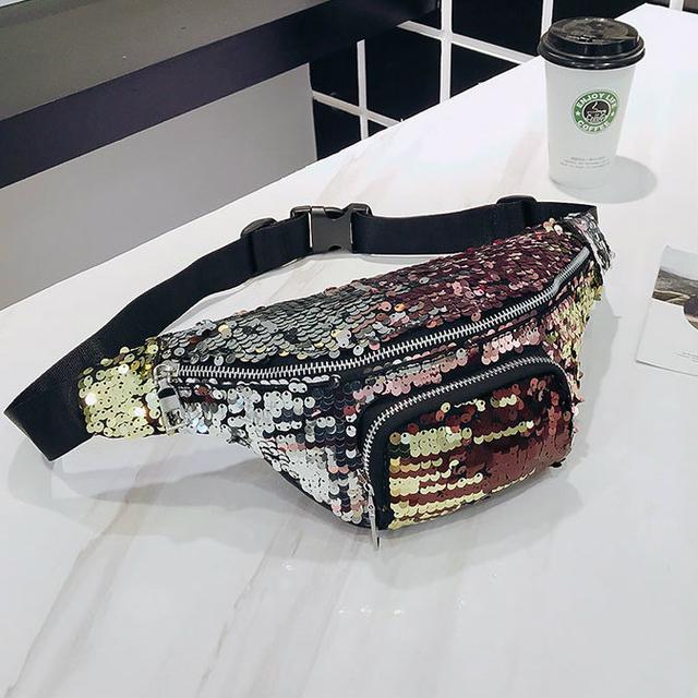 Поясная сумка в пайетках