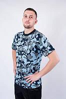 Летняя мужская футболка камуфлированная светлая.