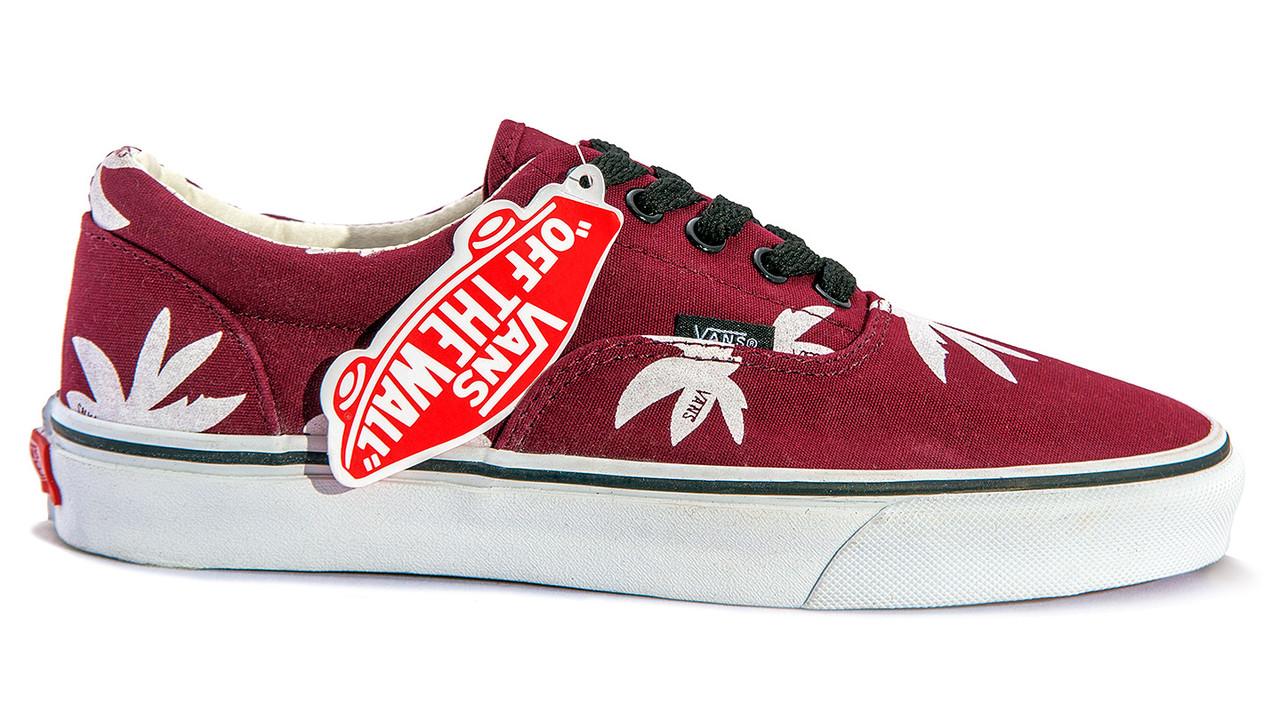 Купить Мужские кеды Vans Era Red Palm (white red) V28 в интернет ... efa5a8882d4f5