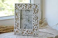 Фоторамка деревянная настольная с резным узором