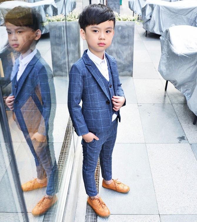 09e68ed8898f6a Стильний класичний костюм - трійка для хлопчиків - Інтернет-магазин дитячого  та жіночого одягу