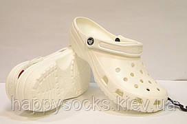 Обувь Crocs Сlassic белого цвета
