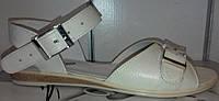 Босоножки женские на плоской подошве из натуральной кожи бежевого цвета от производителя модель СД17-595