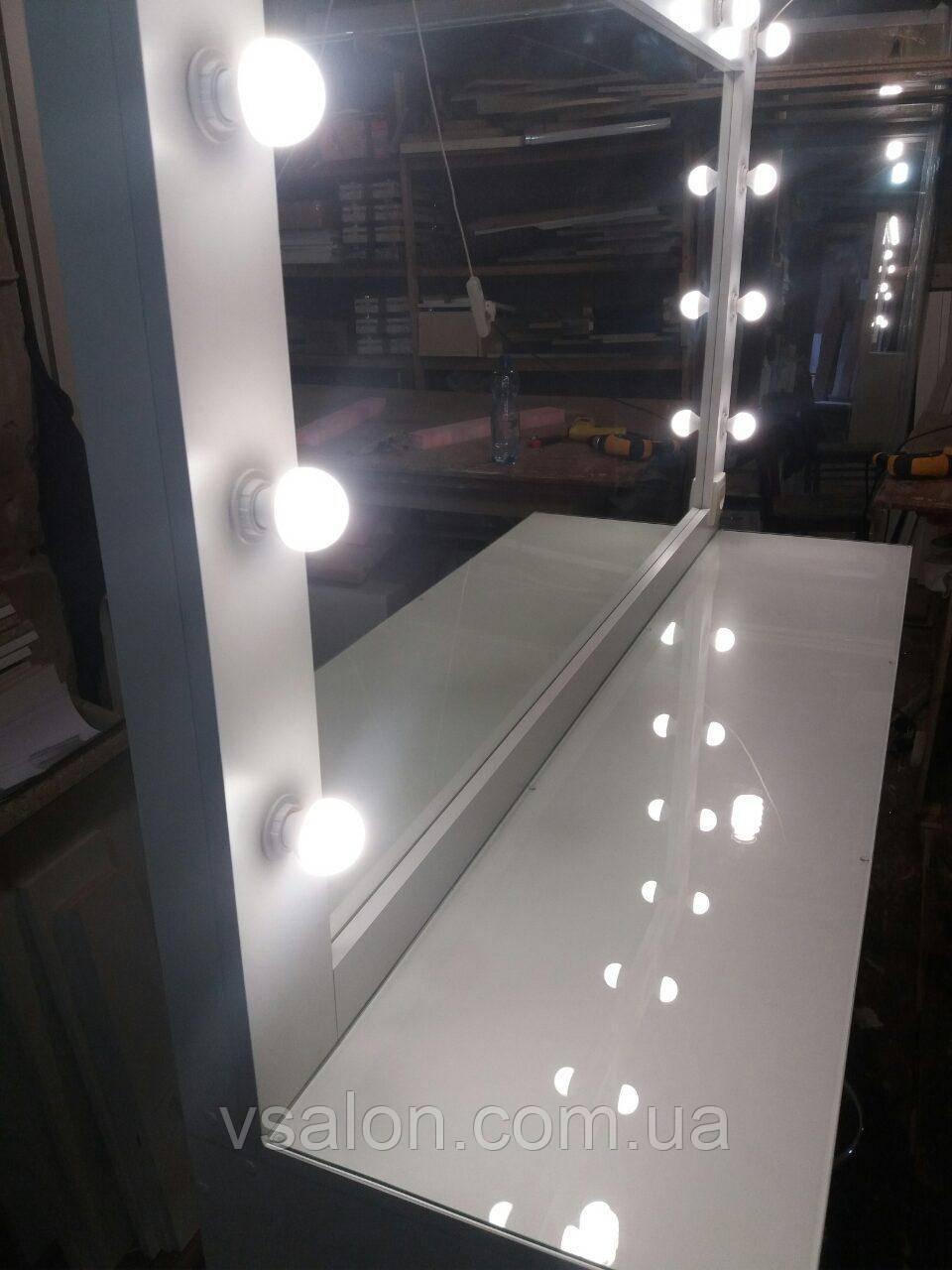 Гримерный столик с подсветкой и защитным стеклом на столешнице А162