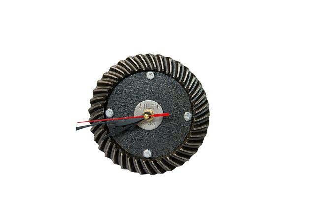 часы на стену из диска