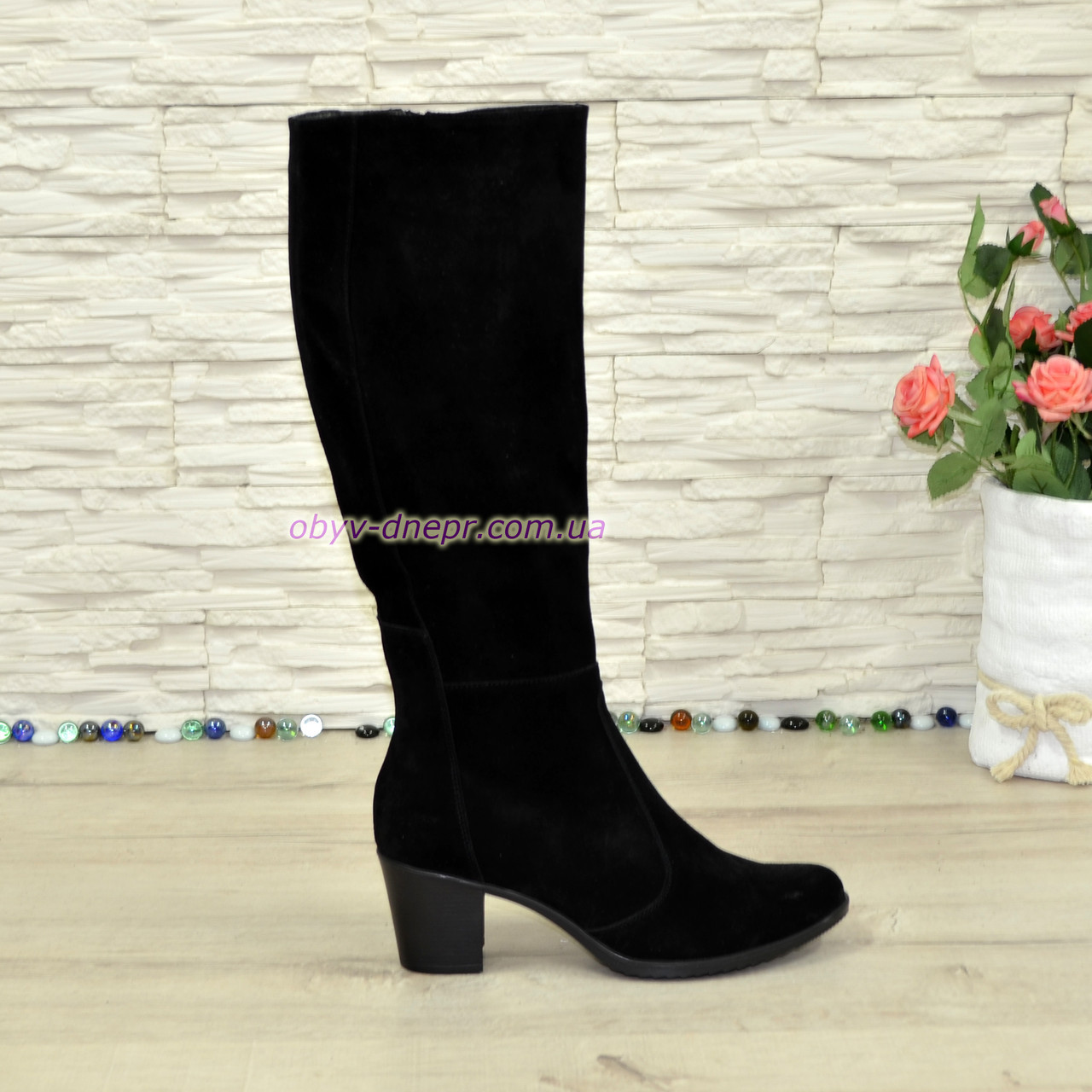 Сапоги черные замшевые женские на устойчивом каблуке, с широким голенищем