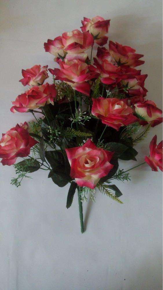 Искусственные букеты из роз