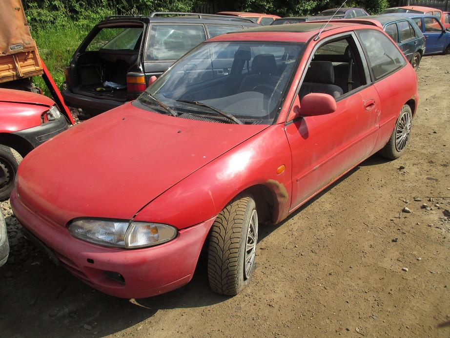 Авто под разборку Mitsubishi Colt 1.6B 1996
