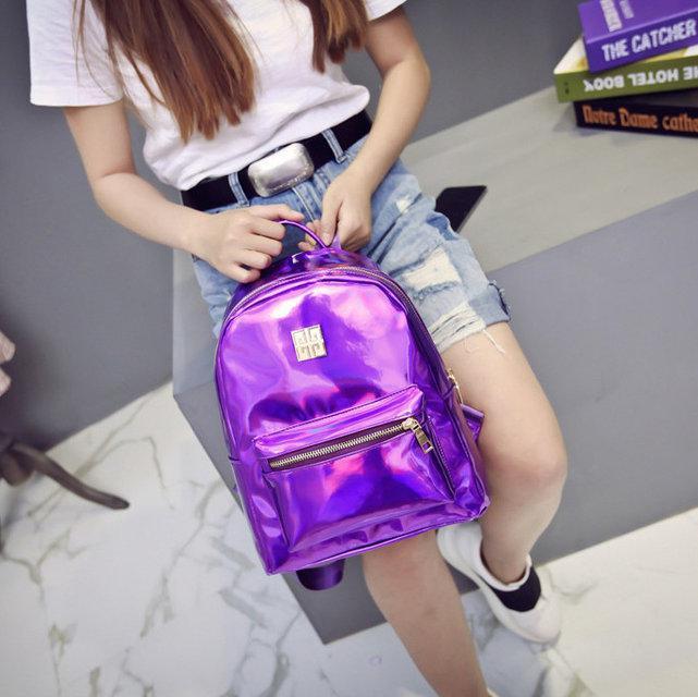 Необычный женский рюкзак фиолетового цвета