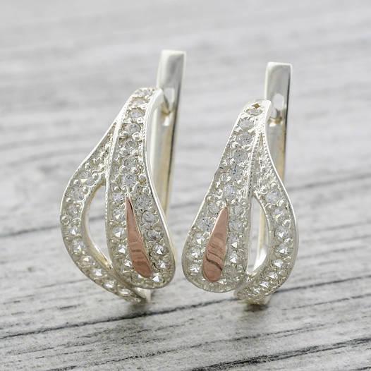 """Серебряные серьги с золотыми пластинами """"Мальва"""", размер 22*12 мм, вставка белые фианиты, вес 4.7 г"""