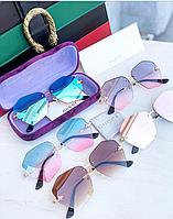 Солнцезащитные женские очки c пчелками в стиле Gucci с чехлом