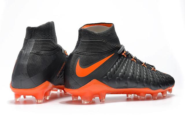 Футбольные бутсы Nike Hypervenom Phantom III DF FG